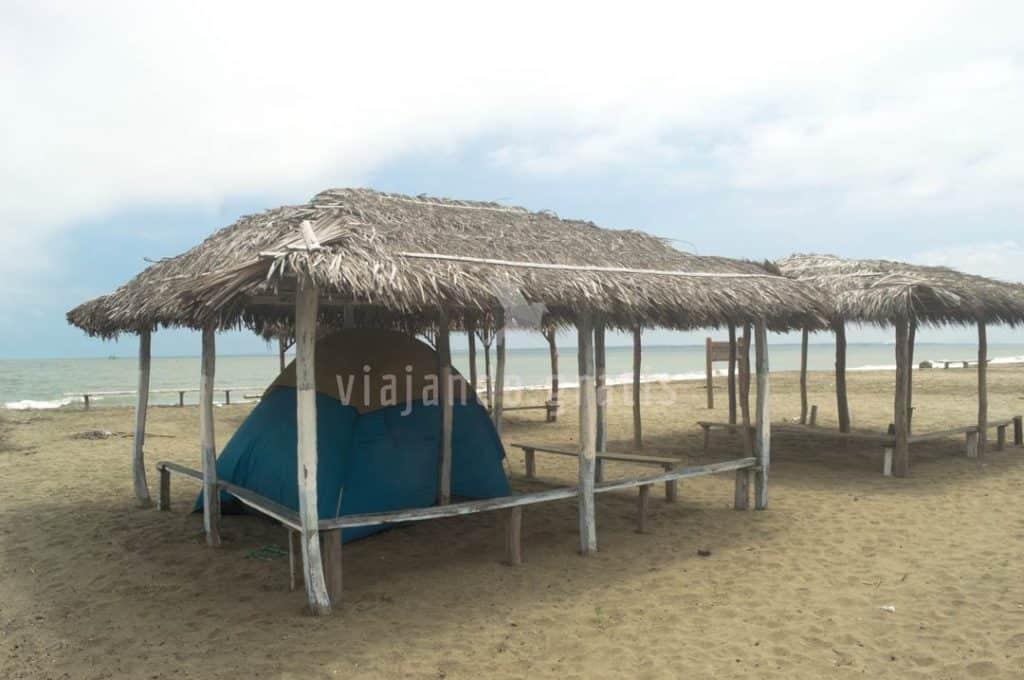 Acampando en Cauchiche - Playas para acampar en Ecuador