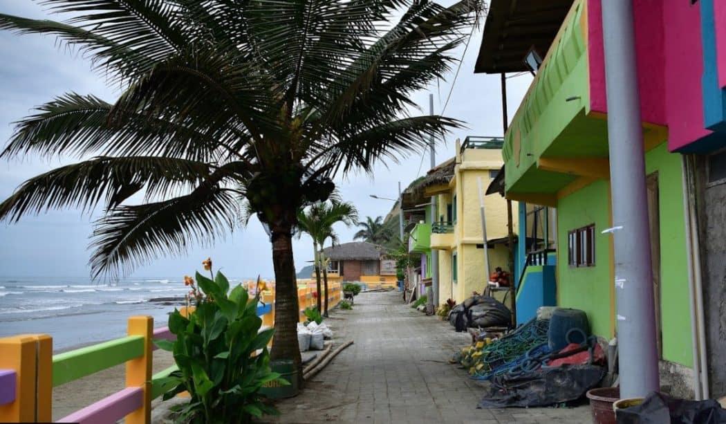 Playa La Entrada, Santa Elena, Ecuador
