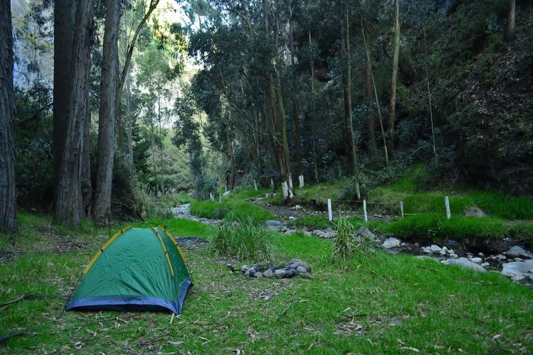 Acampar en la sierra del Ecuador - Cascada de Jun Jun