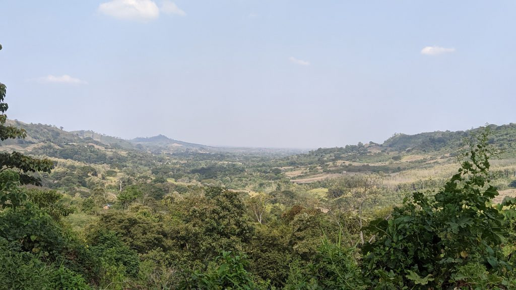 paisaje sendero jerusalen cascada guayas